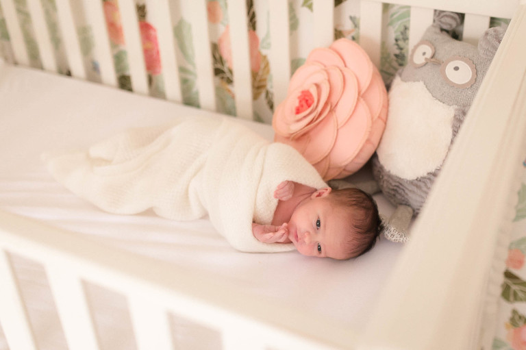 Chattanooga Newborn Photographer | Sweet Caroline Photographie | home lifestyle photographs