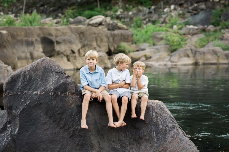 family photography at the Ocoee   Sweet Caroline Photographie